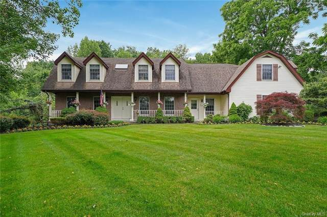 4 Rolyn Hills Drive, Orangeburg, NY 10962 (MLS #H6077970) :: Frank Schiavone with William Raveis Real Estate
