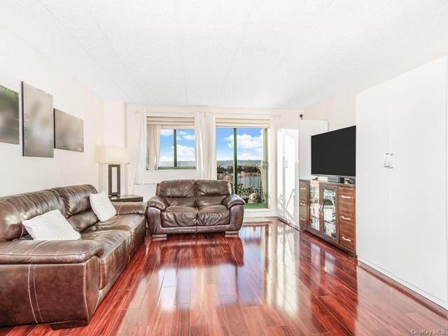3220 Fairfield Avenue Phd, Bronx, NY 10463 (MLS #H6081937) :: Mark Boyland Real Estate Team