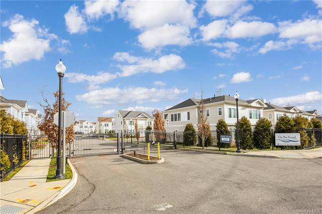 61 Island Point #61, Bronx, NY 10464 (MLS #H6092599) :: Kevin Kalyan Realty, Inc.