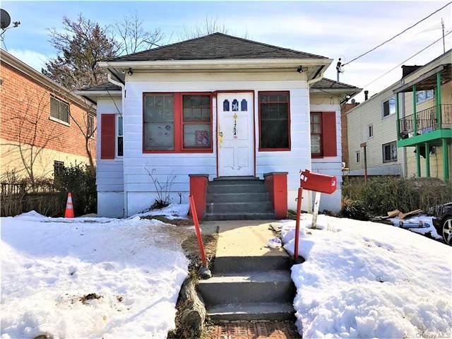 1754 Hammersley Avenue, Bronx, NY 10469 (MLS #H6097888) :: Mark Boyland Real Estate Team