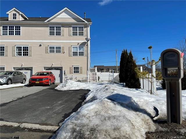 29 Peach Place, Middletown, NY 10940 (MLS #H6098424) :: The McGovern Caplicki Team