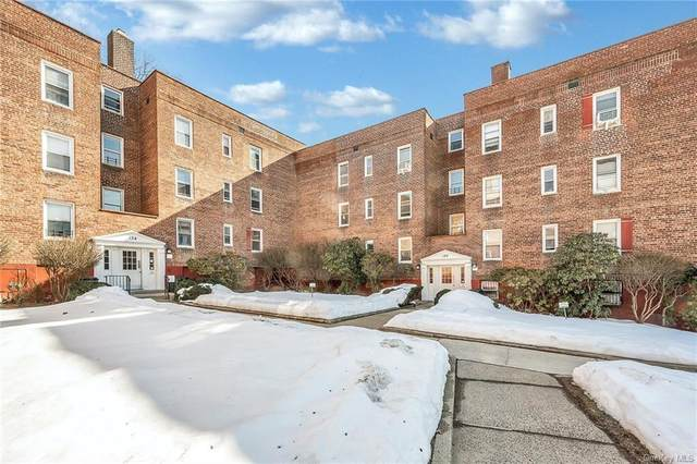 130 Ravine Avenue 1B, Yonkers, NY 10701 (MLS #H6098660) :: The McGovern Caplicki Team