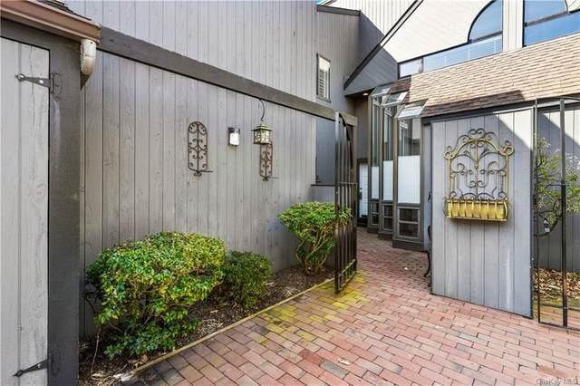 150 Stone Oaks Drive, Hartsdale, NY 10530 (MLS #H6102970) :: Mark Boyland Real Estate Team