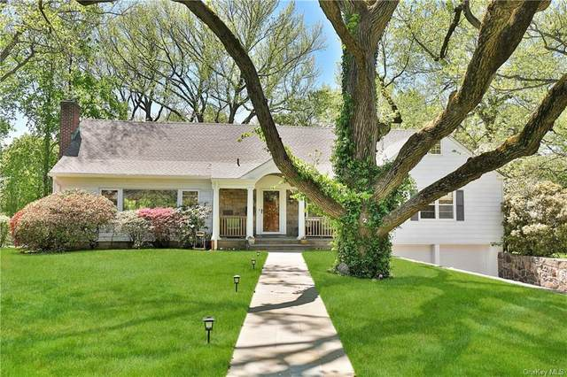 2 Lancia Lane, Larchmont, NY 10538 (MLS #H6109385) :: Frank Schiavone with William Raveis Real Estate