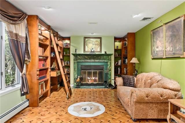 2 Greenwood Court, Briarcliff Manor, NY 10510 (MLS #H6112010) :: Shalini Schetty Team