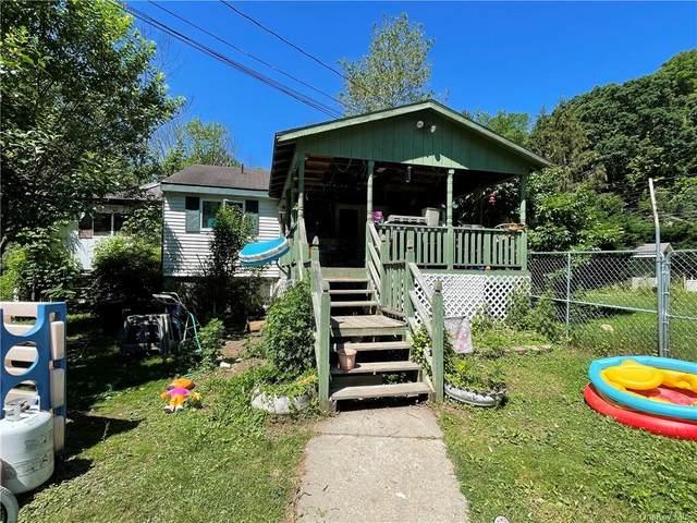 42 Lime Kiln Road, Port Jervis, NY 12771 (MLS #H6124946) :: Carollo Real Estate