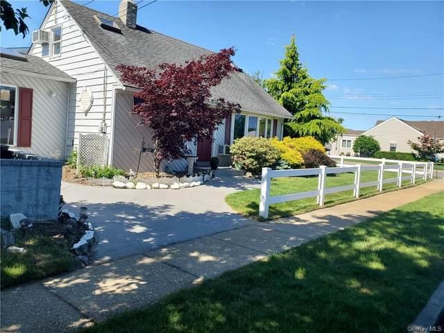 32 Saint Marks Place, Massapequa, NY 11758 (MLS #H6130265) :: Goldstar Premier Properties
