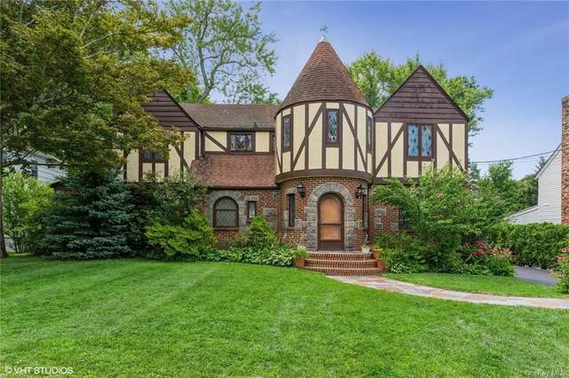 6 Macdonald Place, Scarsdale, NY 10583 (MLS #H6133429) :: Carollo Real Estate