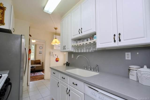 260 Garth Road #3E4, Scarsdale, NY 10583 (MLS #H6137322) :: Cronin & Company Real Estate