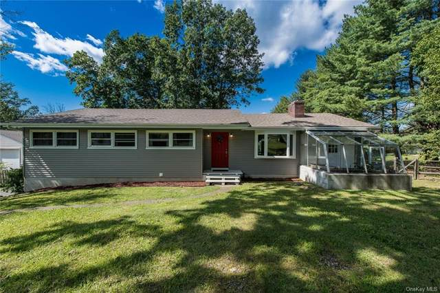 19 Manor Drive W, Poughkeepsie, NY 12603 (MLS #H6143517) :: Kendall Group Real Estate | Keller Williams