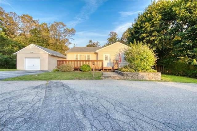 7 Leskow Circle, Hopewell Junction, NY 12533 (MLS #H6146354) :: Corcoran Baer & McIntosh