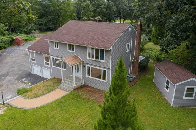 20 Lone Hill Place, Dix Hills, NY 11746 (MLS #3208829) :: William Raveis Baer & McIntosh
