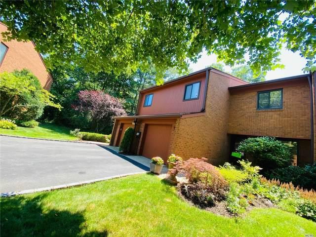 31 Cricket Club Drive #31, Roslyn, NY 11576 (MLS #3214650) :: Mark Seiden Real Estate Team