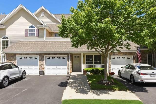 113 Joseph Lane, Dix Hills, NY 11746 (MLS #3217076) :: Mark Seiden Real Estate Team
