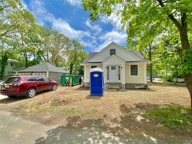 124 Bradford Avenue, Holbrook, NY 11741 (MLS #3217373) :: Cronin & Company Real Estate