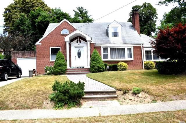 39 Ruxton Road, Great Neck, NY 11023 (MLS #3228832) :: RE/MAX Edge