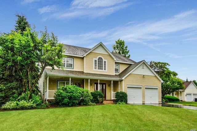 15 Timber Ridge Drive, Huntington, NY 11743 (MLS #3231855) :: Signature Premier Properties