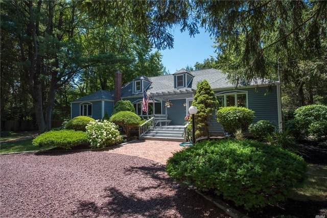 20 Oak Lane, Fort Salonga, NY 11768 (MLS #3241518) :: Keller Williams Points North - Team Galligan