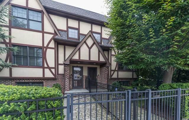 25 Lenox Road #1, Rockville Centre, NY 11570 (MLS #3243337) :: McAteer & Will Estates | Keller Williams Real Estate