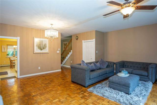 11 Glen Hollow Drive D58, Holtsville, NY 11742 (MLS #3245165) :: Nicole Burke, MBA | Charles Rutenberg Realty