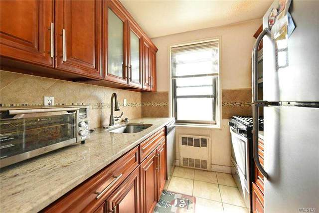 84-01 Main Street #723, Briarwood, NY 11435 (MLS #3250892) :: McAteer & Will Estates | Keller Williams Real Estate