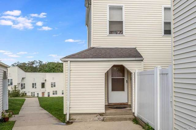 130 B Lowndes Avenue, Huntington Sta, NY 11746 (MLS #3251012) :: William Raveis Baer & McIntosh