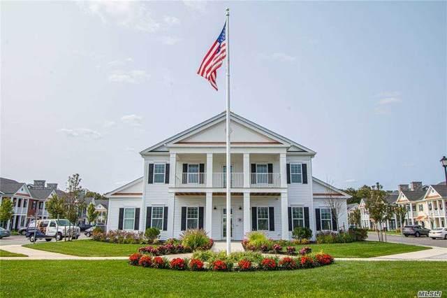 18 Bayard Lane, East Islip, NY 11730 (MLS #3254216) :: Cronin & Company Real Estate