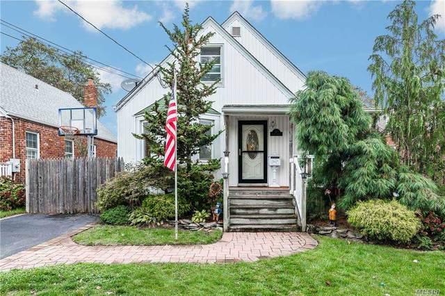 31 Kenny Avenue, Merrick, NY 11566 (MLS #3262953) :: Nicole Burke, MBA | Charles Rutenberg Realty