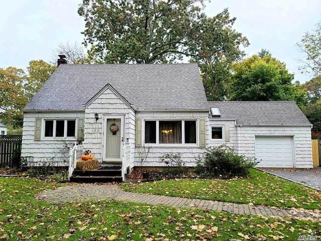 135 Woodlawn Avenue, St. James, NY 11780 (MLS #3266420) :: Mark Boyland Real Estate Team