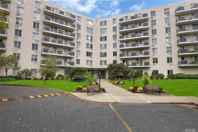 135 Post Avenue 6A, Westbury, NY 11590 (MLS #3267940) :: Mark Boyland Real Estate Team