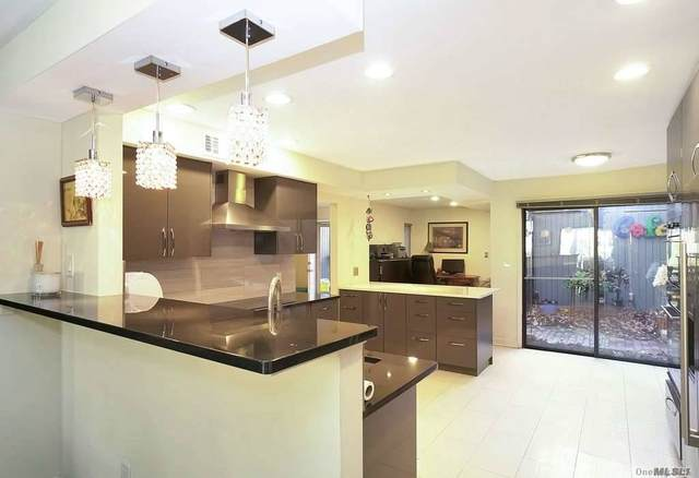 8 Wimbledon Court, Jericho, NY 11753 (MLS #3271471) :: McAteer & Will Estates | Keller Williams Real Estate