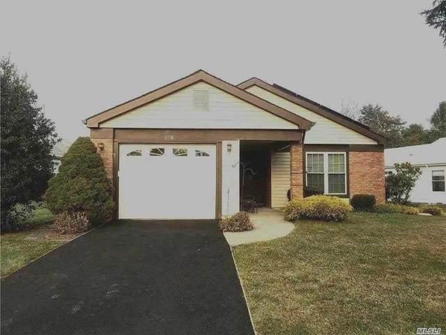 398 Kingston Drive, Ridge, NY 11961 (MLS #3280910) :: Mark Boyland Real Estate Team
