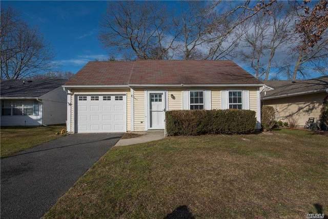 344 Edinburgh Dr, Ridge, NY 11961 (MLS #3281422) :: Mark Boyland Real Estate Team