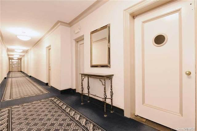 4 Maple Drive 3-0, Great Neck, NY 11021 (MLS #3282578) :: McAteer & Will Estates   Keller Williams Real Estate