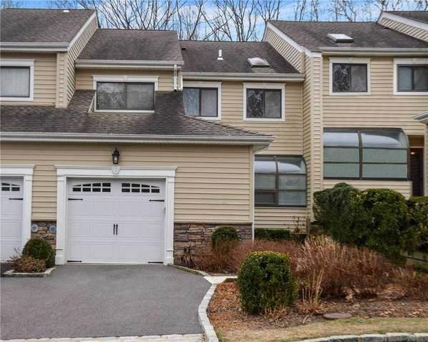 10 Villas Circle, Melville, NY 11747 (MLS #3289560) :: The McGovern Caplicki Team