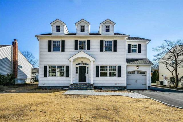 63 Pell Terrace, Garden City, NY 11530 (MLS #3289655) :: Signature Premier Properties