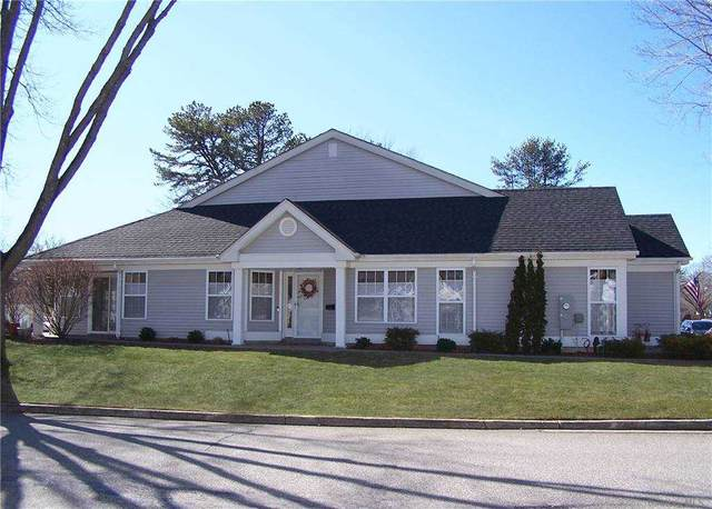 25 Amagansett Court, Ridge, NY 11961 (MLS #3292456) :: The McGovern Caplicki Team
