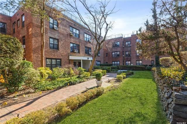 2 Town House Place 3J, Great Neck, NY 11021 (MLS #3295817) :: Howard Hanna Rand Realty