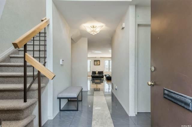 37 Cricket Club Drive, Roslyn, NY 11576 (MLS #3296834) :: McAteer & Will Estates | Keller Williams Real Estate