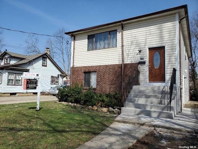 182 Bond Street, Westbury, NY 11590 (MLS #3297783) :: Mark Boyland Real Estate Team