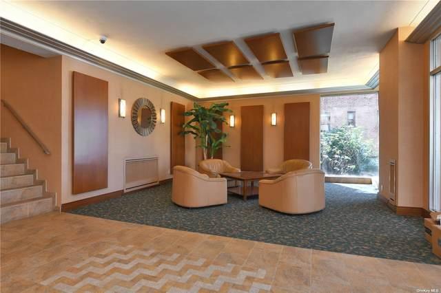 30 Grace Avenue 2W, Great Neck, NY 11021 (MLS #3301045) :: Shalini Schetty Team