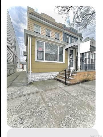 62-08 62 Road, Middle Village, NY 11379 (MLS #3301054) :: Carollo Real Estate