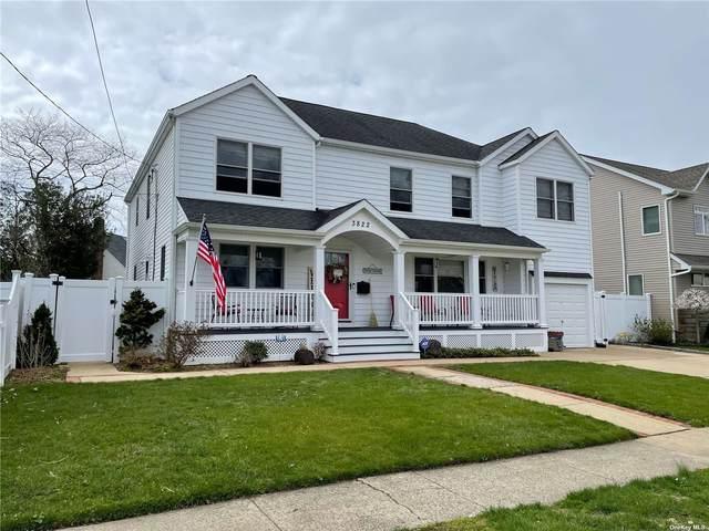 3822 Park Avenue, Seaford, NY 11783 (MLS #3302291) :: Kendall Group Real Estate | Keller Williams