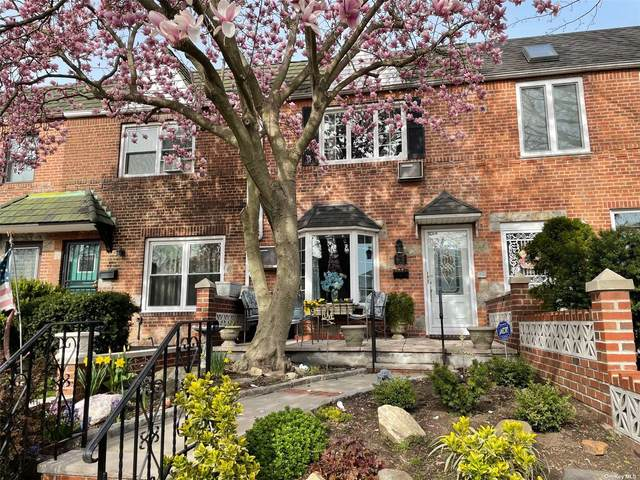 61-17 77th Place, Middle Village, NY 11379 (MLS #3302375) :: Carollo Real Estate