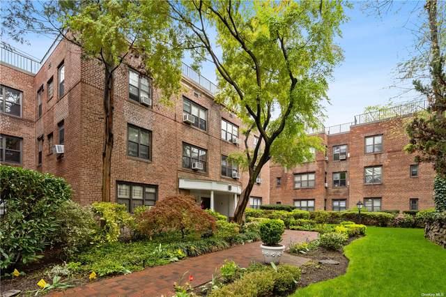 2 Town House Pl 3Q, Great Neck, NY 11021 (MLS #3305505) :: Howard Hanna | Rand Realty