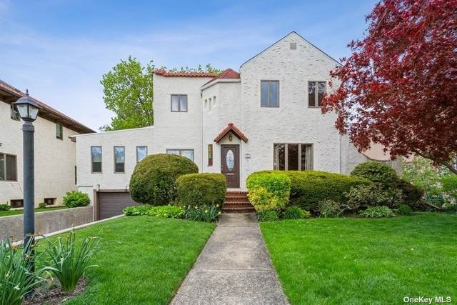 309 Lincoln Boulevard, Merrick, NY 11566 (MLS #3306317) :: McAteer & Will Estates | Keller Williams Real Estate