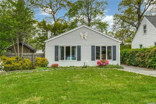 65 E 20th Street, Huntington Sta, NY 11746 (MLS #3309561) :: Signature Premier Properties