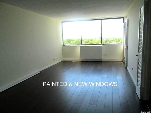 2 Bay Club Drive 17-H, Bayside, NY 11360 (MLS #3313197) :: Signature Premier Properties