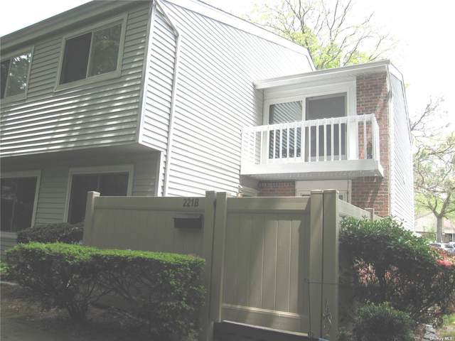 221B Springmeadow Drive B, Holbrook, NY 11741 (MLS #3315334) :: Frank Schiavone with Douglas Elliman