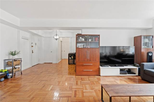 110-20 71st Road #904, Forest Hills, NY 11375 (MLS #3320958) :: Carollo Real Estate